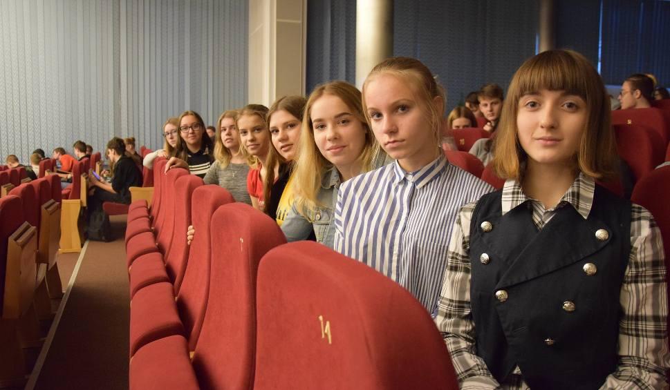 """Film do artykułu: Pokazy filmu """"Kresy"""" w Gorzowie. Na seansie była młodzież i dorośli widzowie. Jakie wrażenia? [ZDJĘCIA, WIDEO]"""