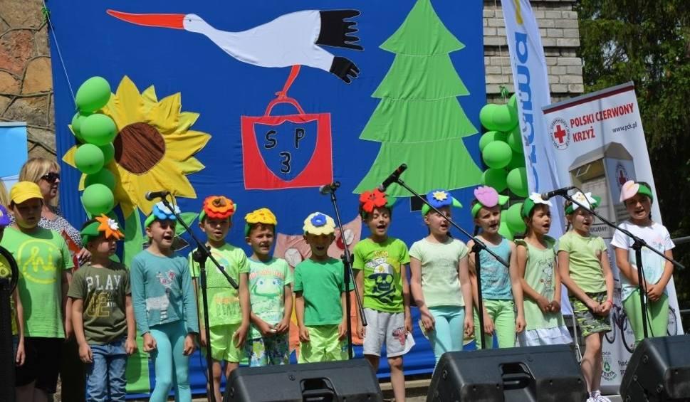 Film do artykułu: XIX Piknik Rodzinny w Zespole Placówek Oświatowych numer 3 w Skarżysku. Dwóch uczniów dostało rowery rehabilitacyjne
