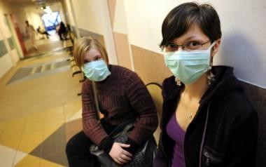 Noszenie maseczek przez osoby zdrowe nie ochroni ich przed zakażeniem koronawirusem
