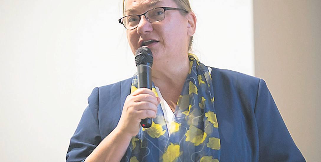 Dyrektor Anna Stelmaszyk-Świerczyńska szeroko omówiła harmonogram  prac nad  opracowaniem planu zagospodarowania  obszarów morskich  w naszym kraju