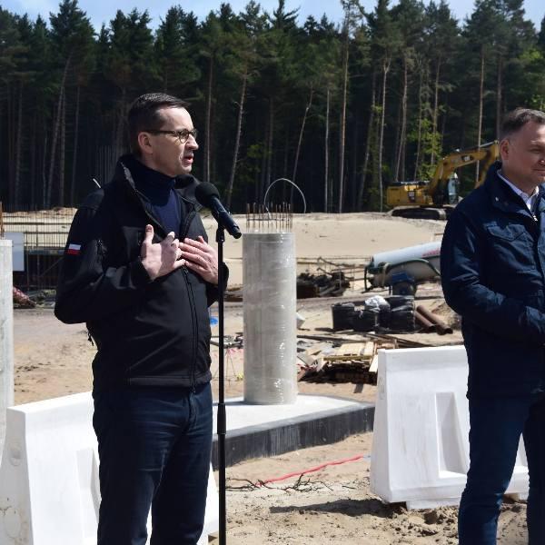 Prezydent RP Andrzej Duda, premier Mateusz Morawiecki oraz minister Marek Gróbarczyk z wizytą na Mierzei Wiślanej 30.05.2020