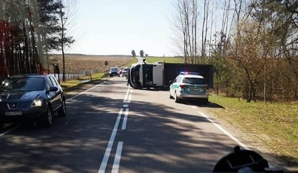 Film do artykułu: Wiercień Duży: Wypadek na DK 19. Zderzyły się dwa samochody [ZDJĘCIA]