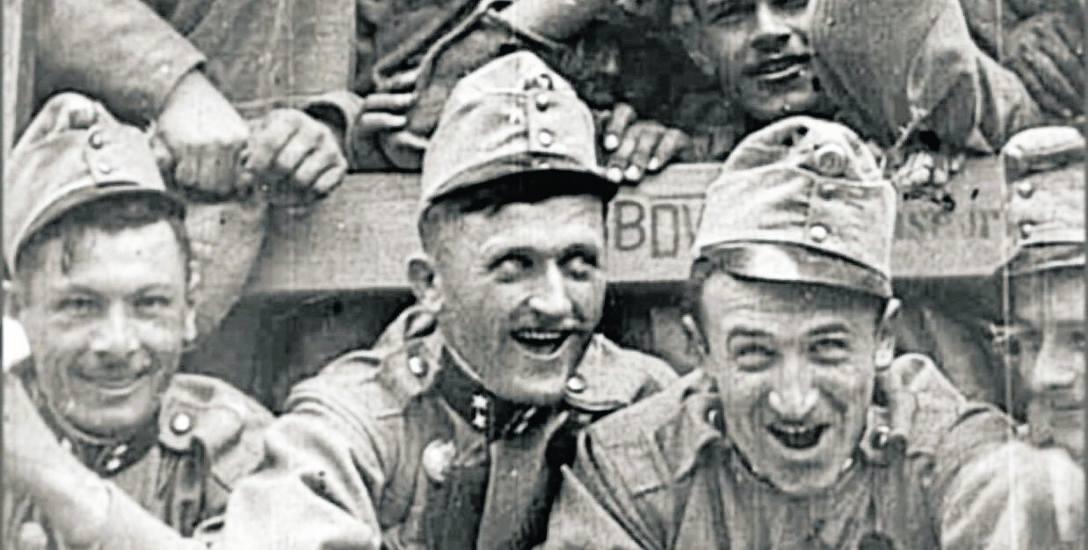 C.k. żołnierze z radością jadą na wojnę