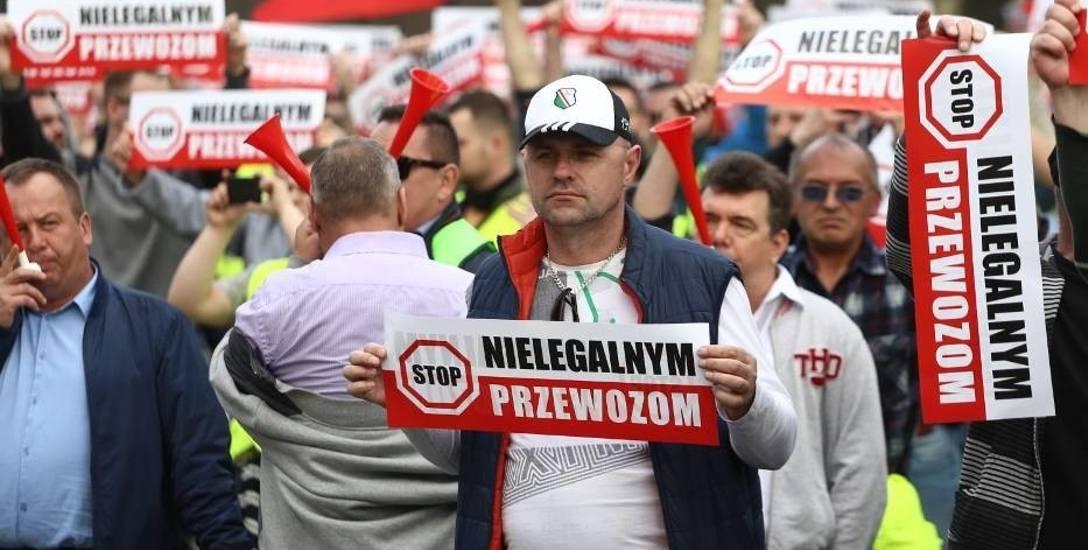 Dwustu taksówkarzy od nas protestowało w Warszawie. Dwustu kolejnych pojedzie tam we wtorek