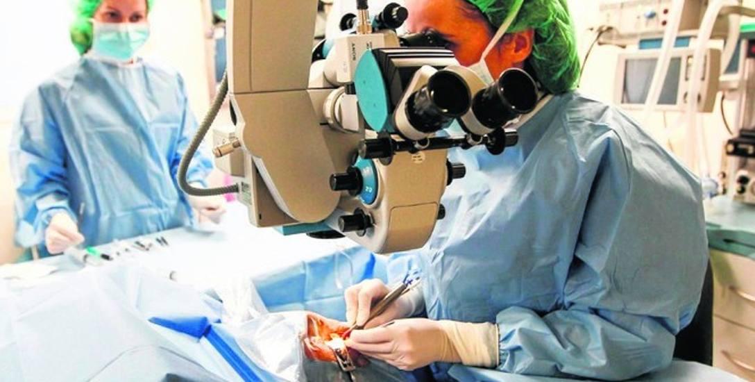 W Toruniu umowę z Narodowym Funduszem Zdrowia na operację zaćmy mają cztery placówki.