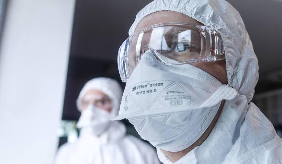 Film do artykułu: Koronawirus - Białystok i woj. podlaskie - RAPORT. 13 632 nowe zakażenia w kraju. Zmarły już 4 172 osoby (23.10.2020)