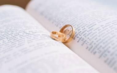 Ślub to najpiękniejszy dzień w życiu młodej pary, a także ich rodziny i znajomych. Niestety czasem zdarzają się historie, które sprawiają, że ten dzień