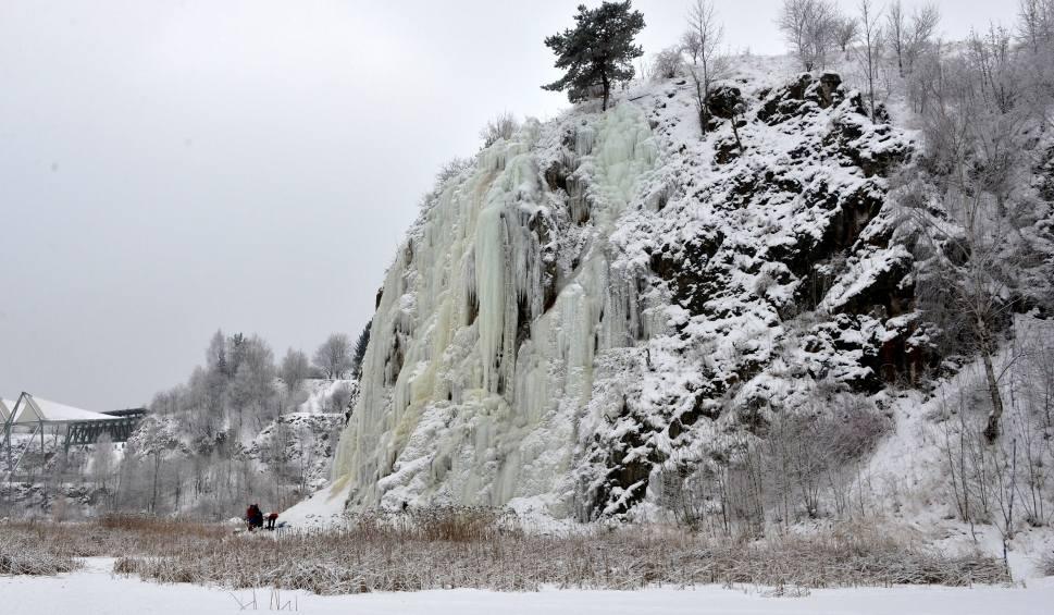 Film do artykułu: Lodospad w Kielcach coraz piękniejszy (WIDEO, zdjęcia)