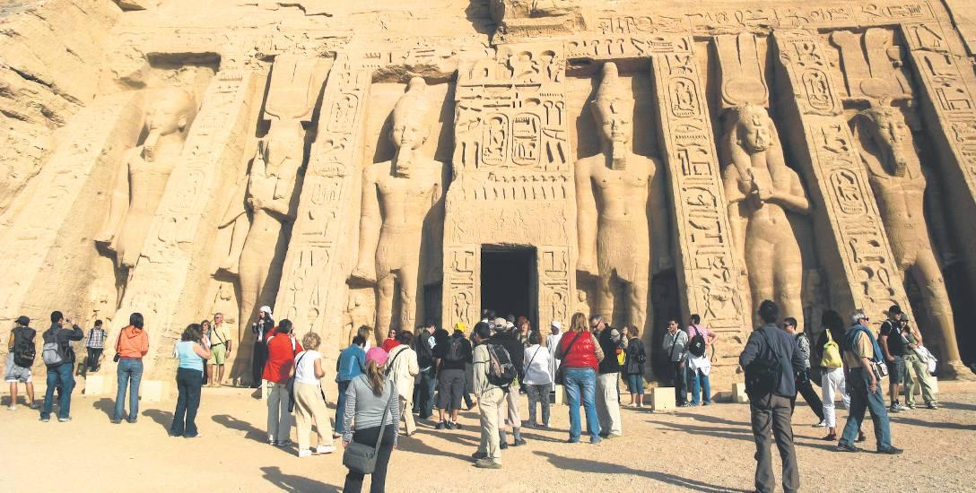 W Egipcie od 2017 roku obowiązuje stan wyjątkowy. Według Ministerstwa Spraw Zagranicznych, na terytorium państwa może dochodzić do ataków na miejsca
