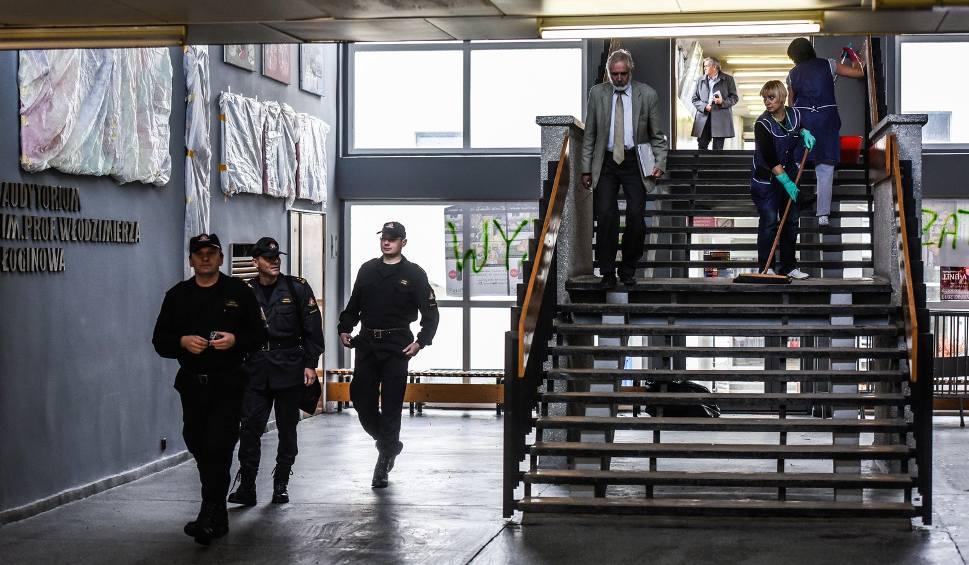 Film do artykułu: Tragedia na UTP. Przewodnicząca samorządu studenckiego usłyszała zarzuty