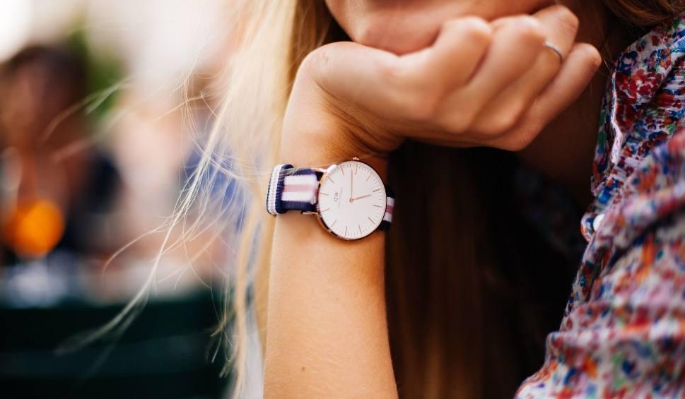 Film do artykułu: Zmiana czasu 2019. Kiedy zmieni się czas na letni? Kiedy będzie ostatnia zmiana czasu?