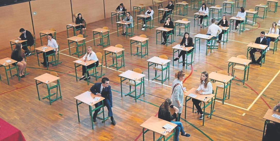 Jak poszła matura absolwentom szkół w powiecie? Średnio, oględnie mówiąc