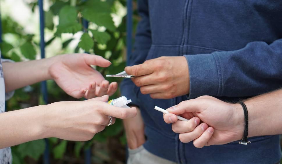 Film do artykułu: Ruszyła kampania na rzecz walki z nielegalnym handlem wyrobami tytoniowymi