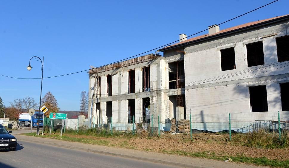 Film do artykułu: Nowa hala produkcyjna firmy Wojdak powstaje w Baćkowicach