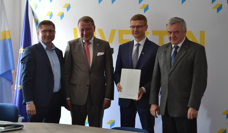 Film do artykułu: Częstochowa: miasto dofinansuje nowy kierunek na Politechnice Częstochowskiej. Ci, którzy go ukończą, mogą znaleźć pracę w Guardianie