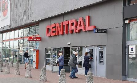Więcej kas, przesunięcie głównego wejścia, zmiana układu stoisk to tylko część zmian, które niebawem będą miały miejsce w Centralu w Łodzi. Zanim do