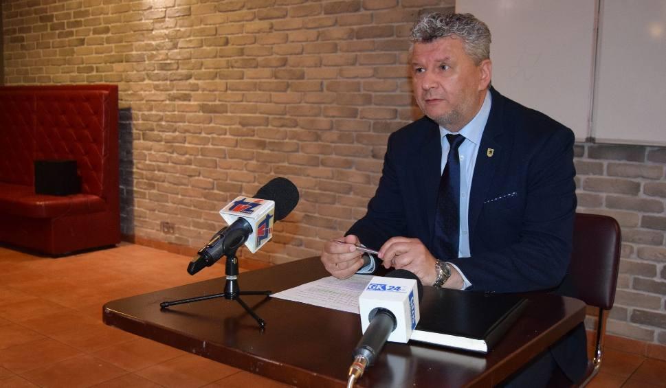 Film do artykułu: Radny ze Szczecinka pozywa syna burmistrza. Za felieton