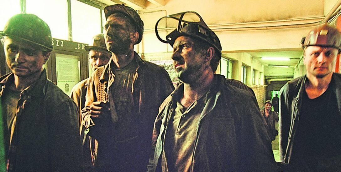 Sprawa deputatu węglowego dla emerytów i rencistów górniczych dotyczy około 235 tysięcy osób. Według aktualnego projektu, mają mieć wybór: albo jednorazowa