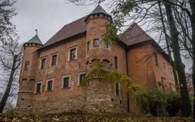 Zamek w Dębnie. Późnogotycka budowla wzniesiona w latach 1470-1480 przez kanclerza wielkiego koronnego kasztelana krakowskiego Jakuba z Dębna