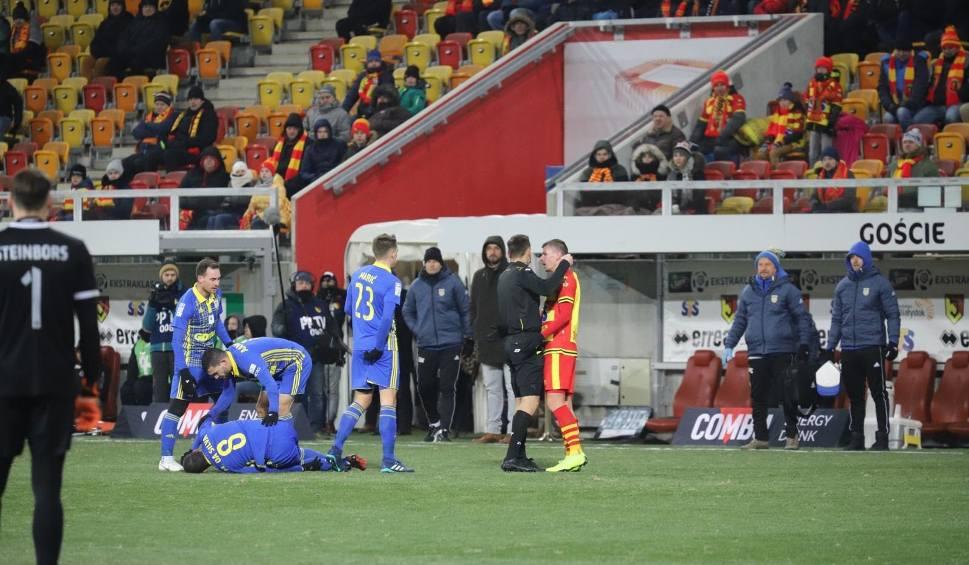 Film do artykułu: Piłkarz Jagiellonii Białystok nie zagra przez cztery mecze. Surowa kara za brutalny faul