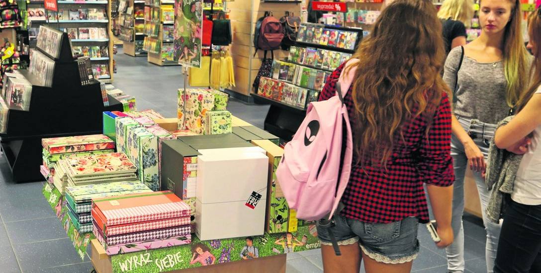 Im starsze dziecko, tym koszty związane ze szkołą rosną, a najdroższe są podręczniki językowe