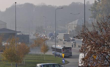 Czwartek: stan powietrza lepszy niż wczoraj, ale smog nie znika