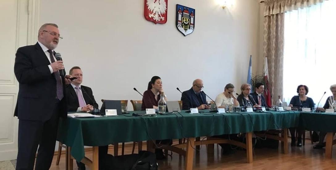 Prezes KPWK, Aleksander Kozłowski podsumował działalność spółki w 2018 r., dotyczącą gospodarki odpadami komunalnymi.