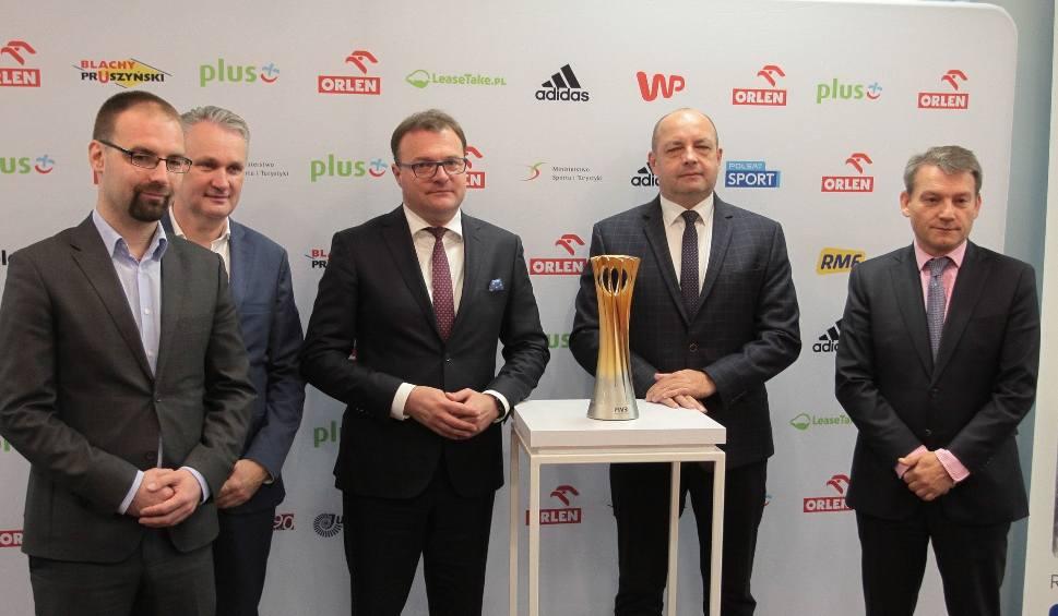 Film do artykułu: W maju 2019 roku w nowej hali w Radomiu odbędzie się turniej Siatkarskiej Ligi Narodów Kobiet! Zagra także męska reprezentacja!