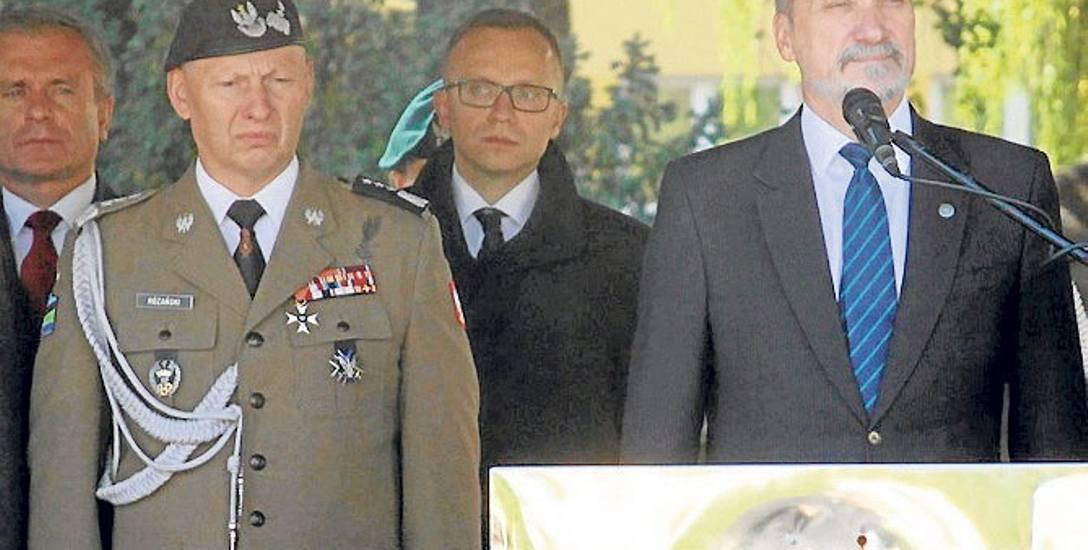 Generałowie o armii Macierewicza