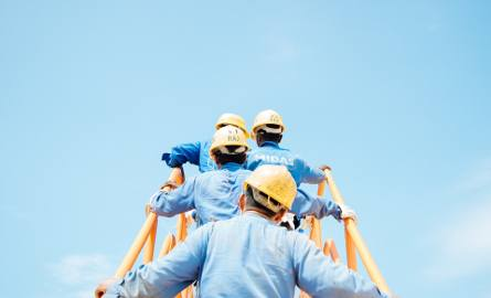 TOP17 zawodów, w których szuka się pracowników. Zobacz, gdzie potrzebne są ręce do pracy!