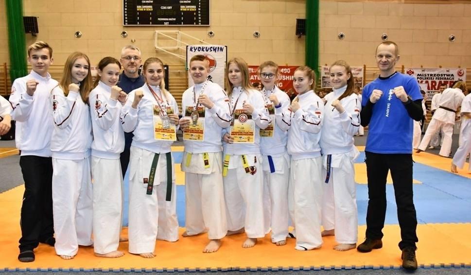 Film do artykułu: Kolejny sukces karateków z Morawicy i Piekoszowa. Walczyli w kwalifikacjach do mistrzostw Europy [ZDJĘCIA]