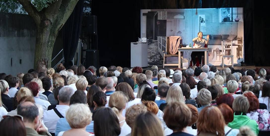 Seniorze, Piotrkowska nie tylko na spacer! Koncerty i spektakle w centrum miasta