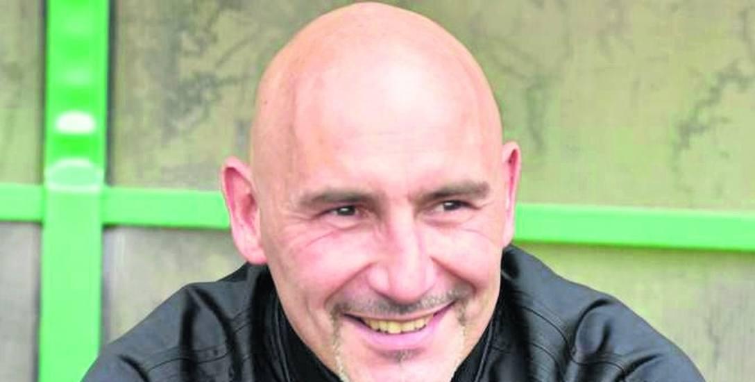 Tomasz Skrzypczak jest jednym z bardziej rozpoznawalnych ludzi związanych z futbolem w Zielonej Górze