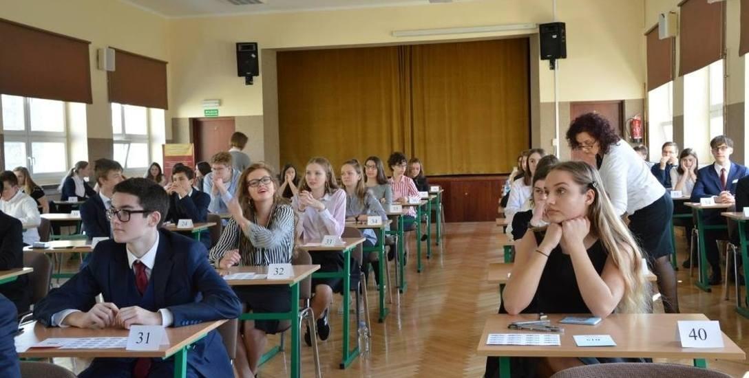 W przyszłym roku gimnazjaliści będą mieli 6 egzaminów z 9 przedmiotów, a ósmoklasiści na razie tylko 3 egzaminy.