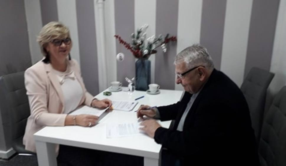 Film do artykułu: Chór Seniora Wrzos z Garbatki-Letnisko będzie miał nowe stroje