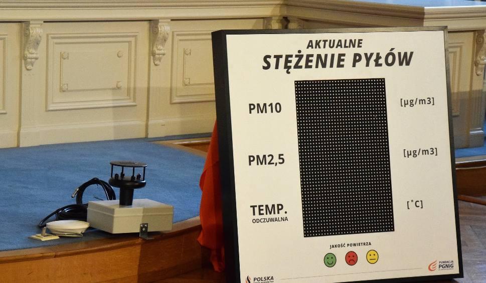Film do artykułu: Przemyśl otrzymał od Polskiej Spółki Gazownictwa urządzenie do badania jakości powietrza