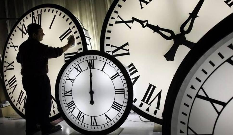 Film do artykułu: Zmiana czasu na letni 2018: Kiedy? Czas letni będzie obowiązywał w Polsce od 25 marca. Nie zapomnijcie o zmianie czasu na letni 25.3.2018