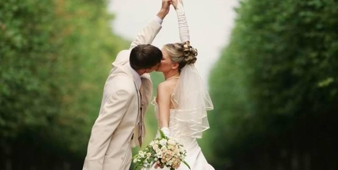 Coraz rzadziej decydujemy się na małżeństwa wyznaniowe, wolimy śluby cywilne