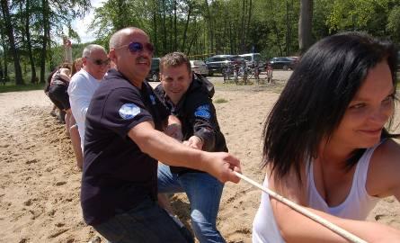 Piotr Misztak (z prawej) stoi na czele SzLOT-u