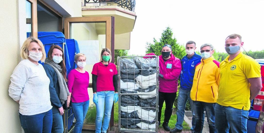 Szpitalowi w Rawie Mazowieckiej podarowali komplety pościeli