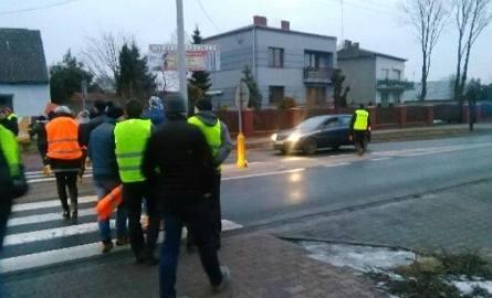 W Magnuszewie w proteście uczestniczyło kilkadziesiąt osób.
