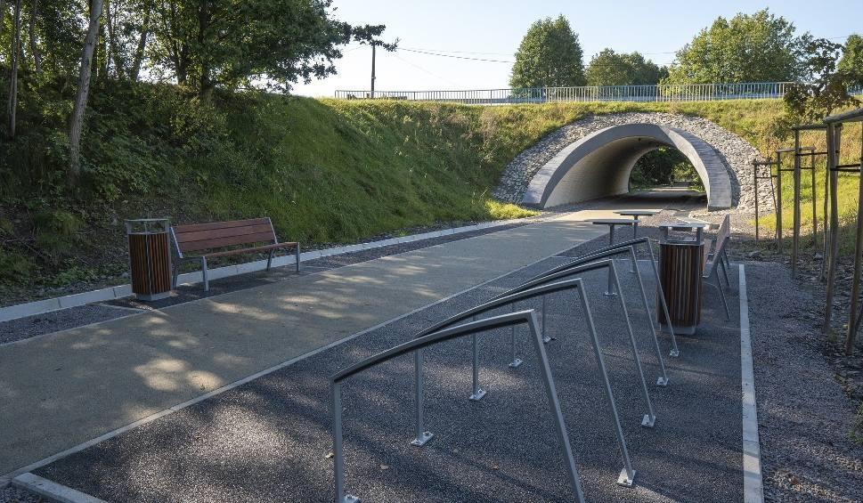 Film do artykułu: Żelazny Szlak Rowerowy na Śląsku to bajeczna i najpiękniejsza trasa rowerowa w Polsce. Prowadzi 55 km nasypami kolejowymi