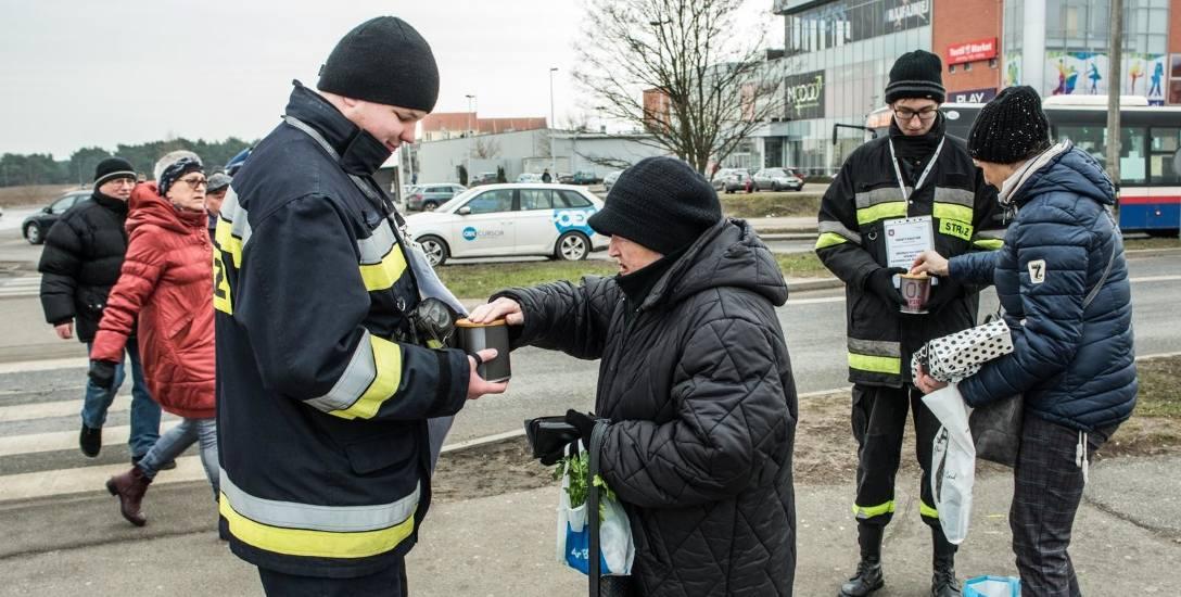 - Podczas zbiórki ludzie byli oburzeni, że oni płacą podatki, a my musimy zbierać na potrzebny nam sprzęt - mówi Rafał Adamczewski, prezes OSP Fordo