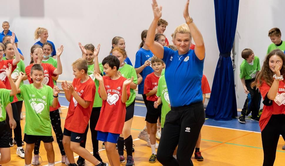 Film do artykułu: Ponad 500 dzieci wspólnie z Małgorzatą Glinką bawiło się i uczyło na pikniku zdrowia