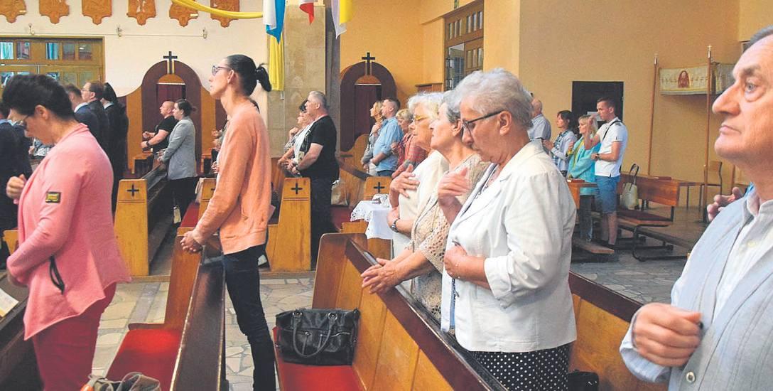 Mieszkańcy Jastrzębia-Zdroju wstrzymali oddech. Modlą się w kościołach, nie tracą nadziei