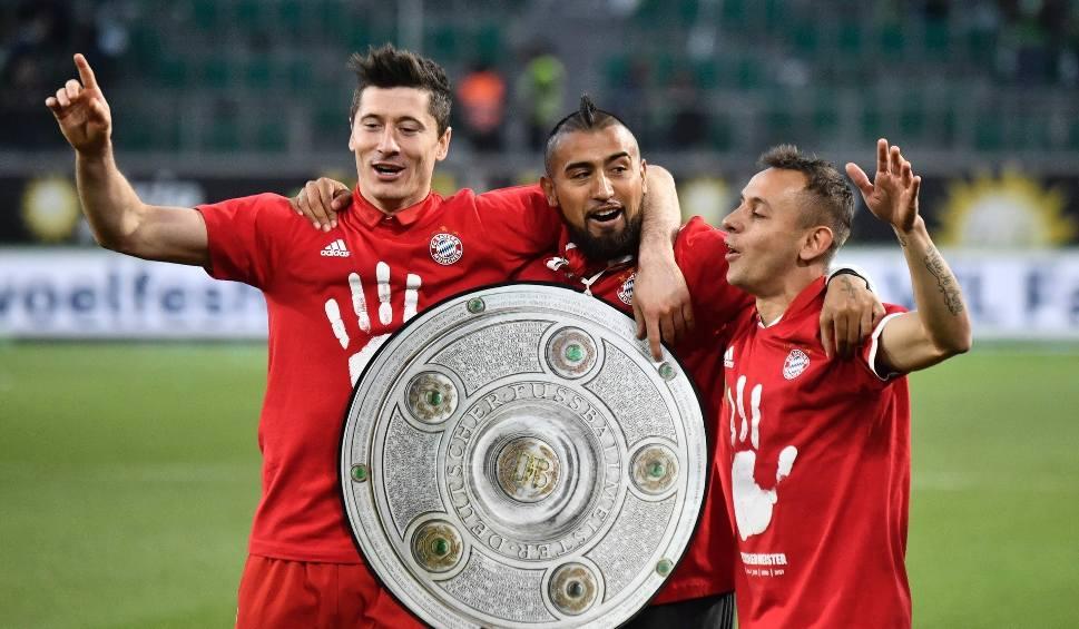 Film do artykułu: Bayern mistrzem Niemiec na trzy kolejki przed końcem! Dwa gole Lewandowskiego!