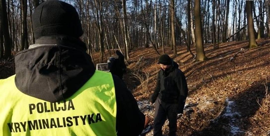 Zwłoki 23-letniego Michała zostały ukryte w lesie pod miejscowością Dębowiec na Śląsku Cieszyńskim.