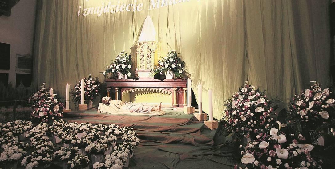 Łódzkie Groby Pańskie bez kontrowersji. W Wielką Sobotę wierni odwiedzali Groby Pańskie w łódzkich kościołach