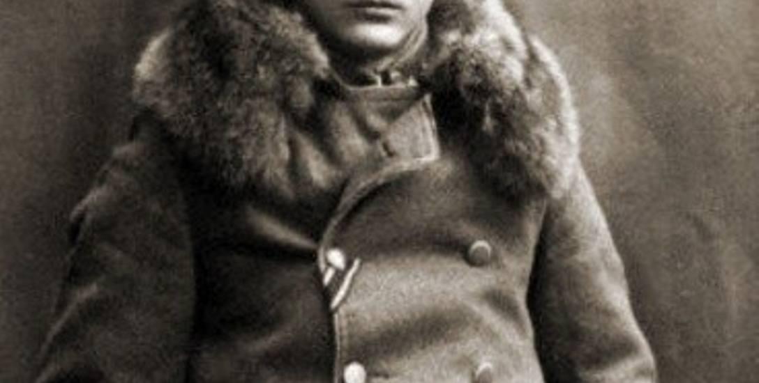 Wojskowy szlak płk. Leopolda Lisa-Kuli i jego wojenne dokonania stały się kanwą dla wielu opowieści, pieśni i legend.