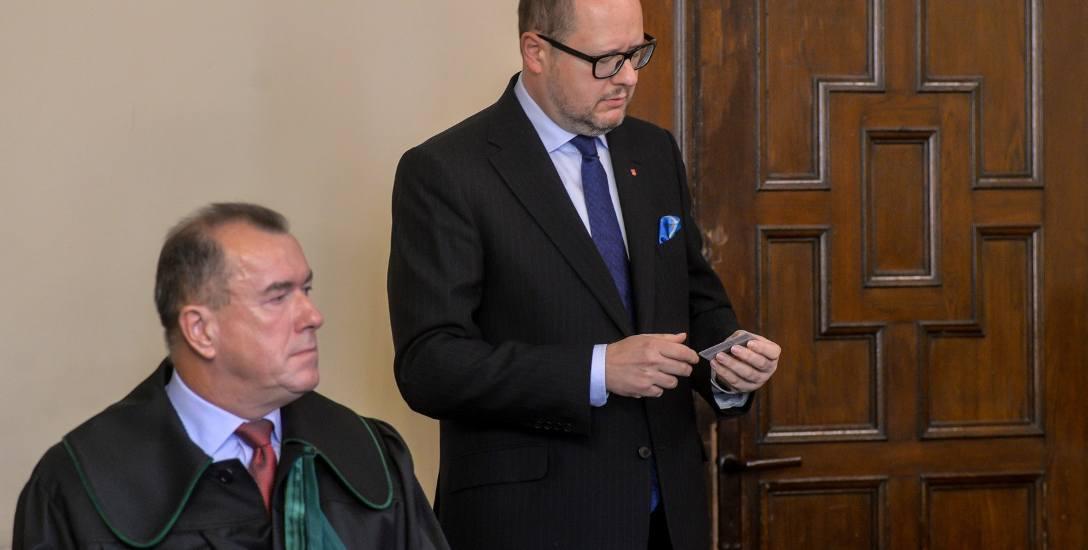 Proces Adamowicza i spory majątek jego dzieci
